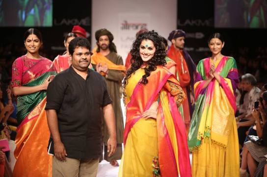 tapsee-pannu-gaurang-s-lakme-fashion-week-14