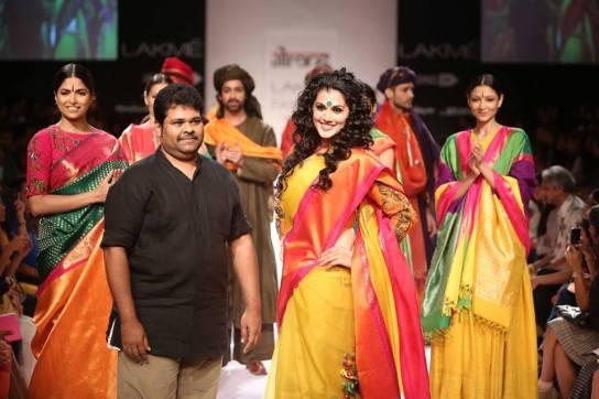 tapsee-pannu-gaurang-s-lakme-fashion-week-14